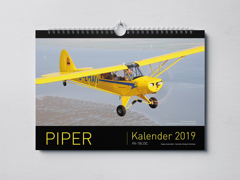 Piper-Kalender 2019, Rolf Wittorf, Piper PA-18, Prindesign, Kalender-Design, Grafik-Design, Andrea-Baitz, Grafikdesigner, Eckernförde, Raum Kiel, Rendsburg, Flensburg, Hamburg, Schleswig-Holstein